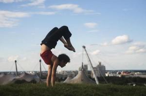 moon handstand